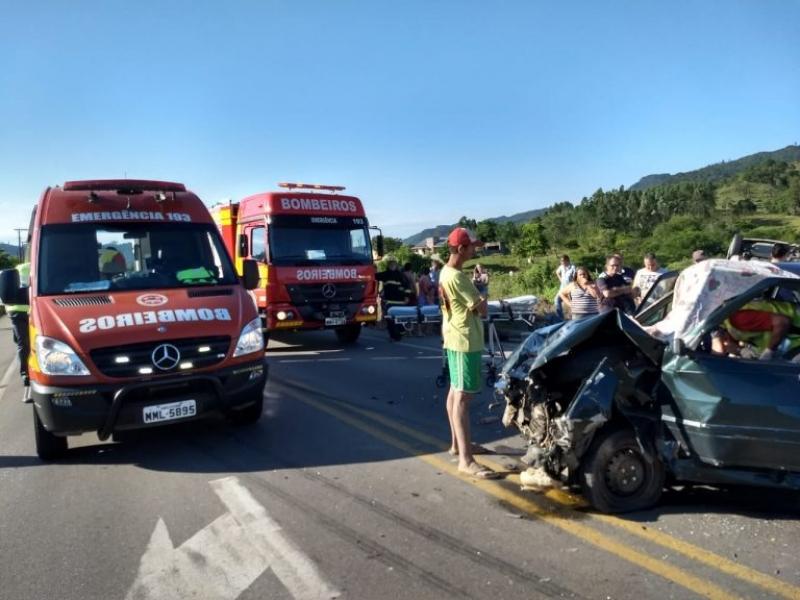 Orleans: Motorista passa mal e bate em carro na SC-390