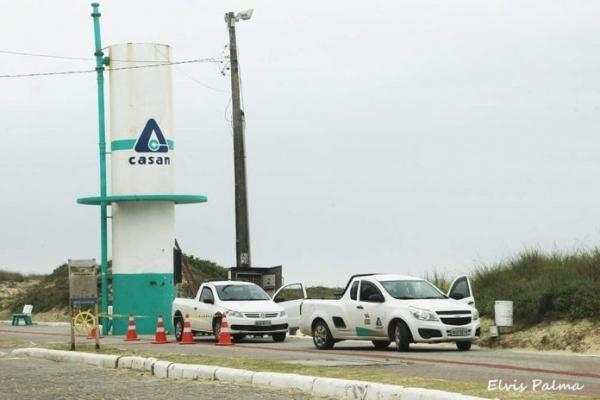 Falha em emissário faz esgoto transbordar no Mar Grosso em Laguna | Notisul - Um Jornal de Verdade - Portal Notisul