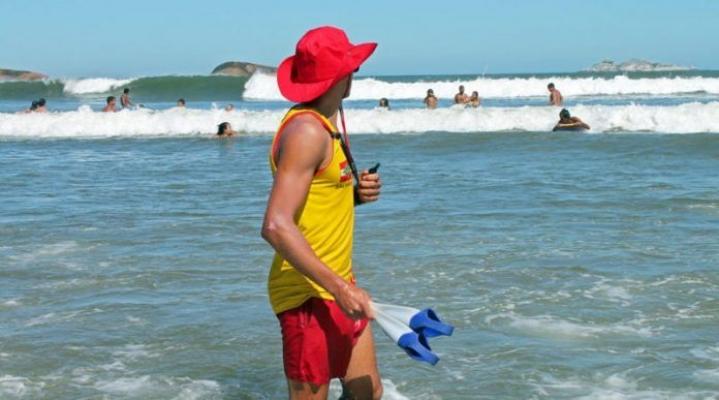 Guarda-vidas iniciam atuação em praias de Laguna | Notisul - Um Jornal de Verdade - Portal Notisul