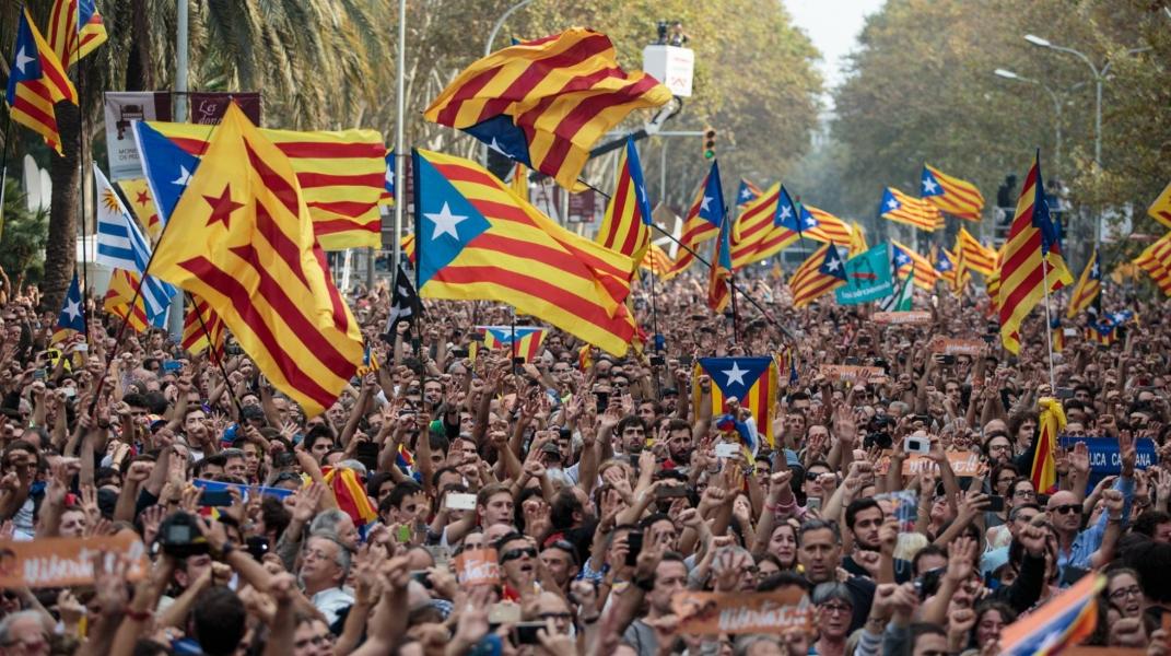 Mais de 200 autarcas no parlamento catalão para apoiar independência