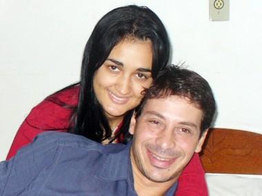 O casal Daianny e Fábio em registro fotográfico no Orkut. Paixão sem limites?