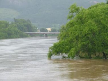 Na madrugada do dia 23 de novembro, o Rio Tubarão chegou a 4,70 metros acima do nível e preocupou os moradores.