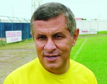 Arnaldo Lira foi chamado para salvar o Atlético Tubarão do rebaixamento no ano passado, na 1ª divisão do Campeonato Catarinense, e teve êxito.