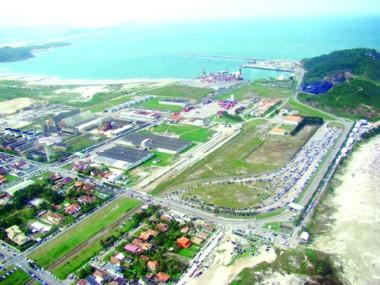 O prefeito Beto Martins está otimista com o futuro de Imbituba. Os investimentos na expansão do porto tornam a cidade cada vez mais atrativa para os empreendedores.