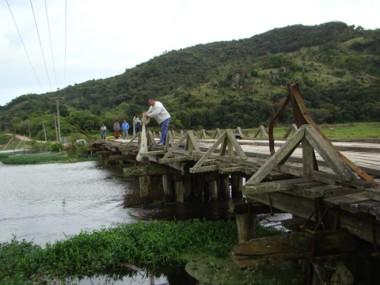 A Ponte de Congonhas foi interditada no começo de setembro. Alguns motoristas, no entanto, não respeitam a sinalização e arriscam-se ao passar pelo local