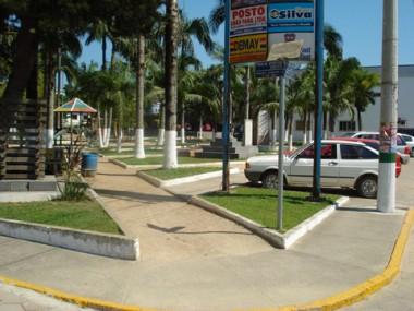 A revitalização da praça está orçada em R$ 56 mil e pode começar este ano. O projeto prevê o aumento do estacionamento
