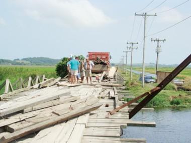 Obras da ponte de Congonhas encerram hoje, mas, do lado de Tubarão, interdição permanecerá.