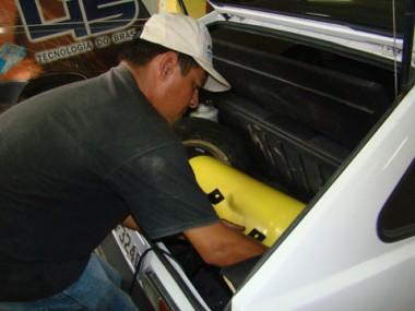 Em uma convertedora de Tubarão, por semana, aproximadamente dez carros passam para GNV.