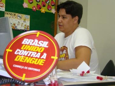 Coordenador do programa, Hélio de Oliveira enviu 20 tubinhos com larvas de mosquitos para análise.