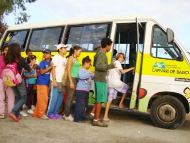Hoje, na Combemtu, haverá a confraternização da Páscoa para todos os alunos. A festa marcará também a despedida dos alunos de Capivari. Alguns pais não deixaram os filhos participar.