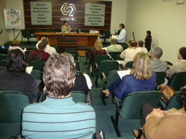 Prefeitos solicitarão ao estado que máquinas e caminhões fiquem à disposição dos municípios nas SDRs.