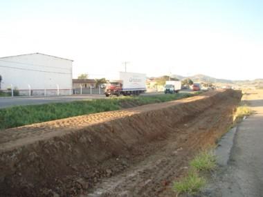 As obras de duplicação da BR-101 no trecho sul estão paralisadas entre Capivari de Baixo e Laguna.