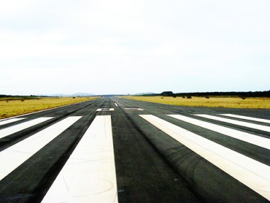 Lideranças vistoriam as obras do aeroporto hoje, às 16 horas. O encontro servirá, ainda, para debater o futuro do empreendimento do ponto de vista empresarial.