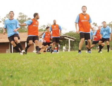 Os jogadores do Peixe participaram de coletivo nesta sexta-feira e estão bem concentrados para a 'decisão' na Vila, neste domingo, às 16 horas.
