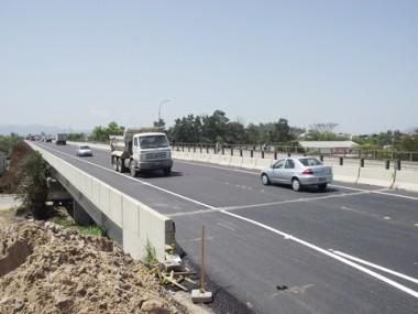 A passagem foi aberta pelo Dnit ao fluxo da rodovia ontem de manhã, após a finalização da sinalização vertical e horizontal.