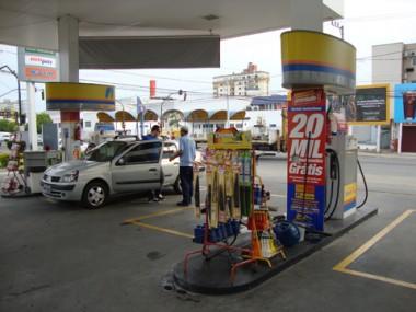 Não somente os proprietários de veículos sentem no bolso o aumento do preço dos combustíveis.
