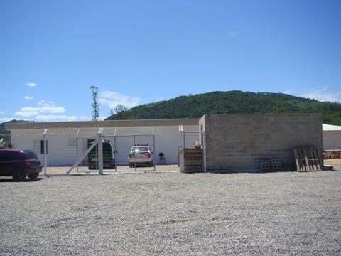 Uma casa de revista é construída no semiaberto. Visitas de familiares estarão liberadas em poucos dias.