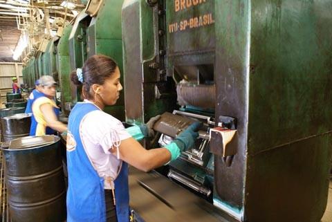 Indústria cerâmica de Sangão, a exemplo do que ocorre em Morro da Fumaça e outras cidades, não consegue retirar a matéria-prima para a produção devido ao assoreamento do Rio Urussanga