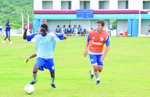 O Imbituba Futebol Clube treinou forte no coletivo desta sexta-feira