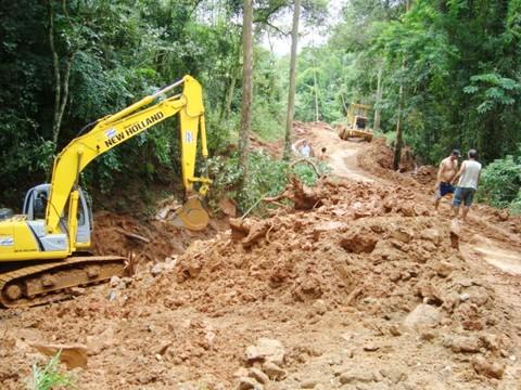 As comunidades de Barracão, Brusque, Rio das Furnas e Rio Pinheiros (foto) são as mais atingidas. Nestes locais, a prioridade é abrir as estradas para que os agricultores não percam o que sobrou de suas plantações.