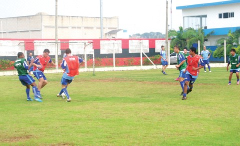 Os jogadores já treinaram ontem. O próximo desafio, o primeiro pelo returno, será daqui a 11 dias, em Itajaí, diante do Marcílio Dias.