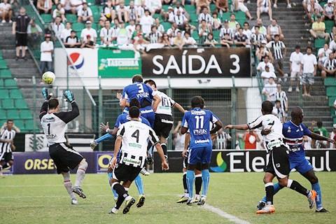 Figueirense depenou a Águia do Litoral no Orlando Scarpelli.