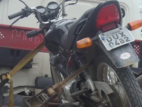 Motocicleta que havia sido furtada foi recuperada pela Polícia Militar na Área Verde.