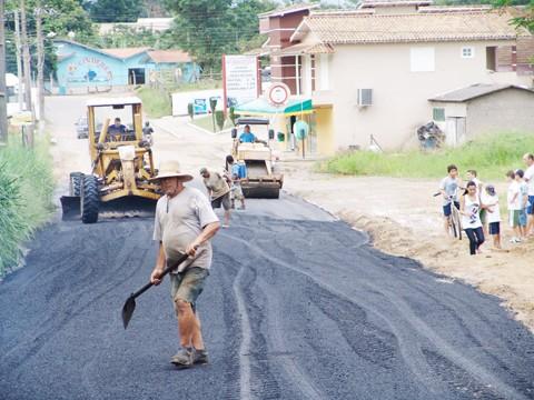 Cerca de 400 toneladas de asfalto serão usadas na recuperação do trecho da rodovia João Alfredo Rosa, na Guarda-ME.