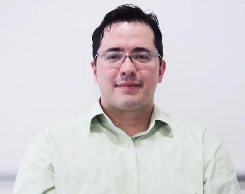 Urologista Daniel Iser, da Pró-Vida, alerta que o preconceito quanto aos exames para o diagnóstico precoce do câncer de próstata é o principal inimigo.