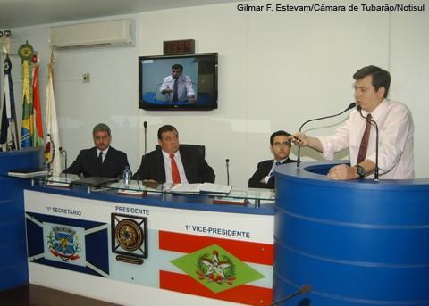 Vereadores da oposição a atual mesa diretora contestam a maneira como a nova eleição foi realizada.