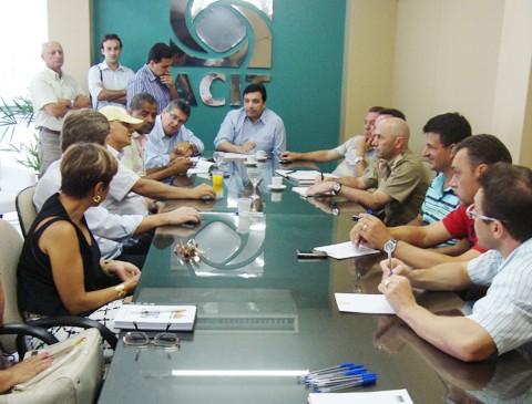 Lideranças políticas, empresariais e da área de segurança reuniram-se nesta sexta.