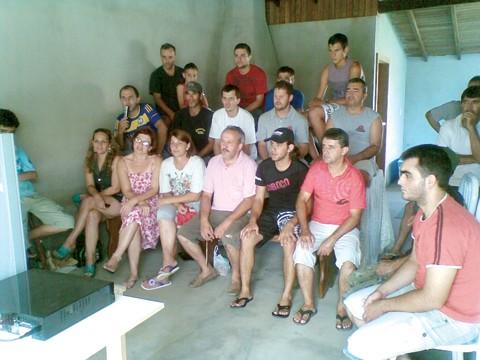 A família de Renan Bressan assistiu a partida de ontem pela televisão e vibrou.