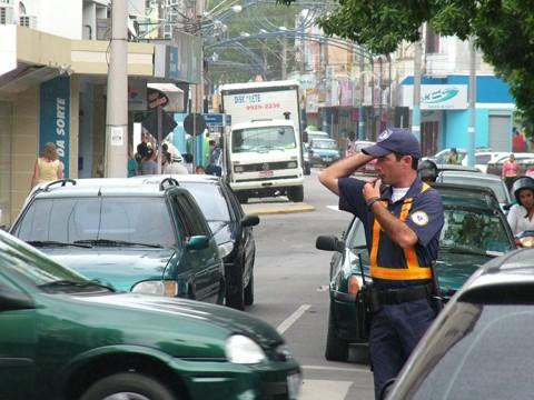 Assim que chegarem os coletes balísticos, os guardas municipais voltam a atuar nas ruas da cidade.