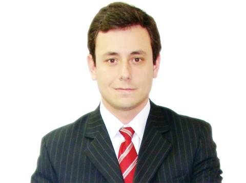 Secretário de administração da prefeitura, Carlos Eduardo Pereira de Bona Portão, o Preto, deverá iniciar em breve uma série de audiências públicas com os servidores para discutir o Plano de Cargos e Salários.