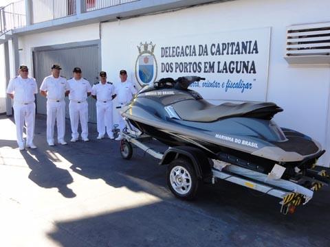 A moto aquática, batizada com o nome 'Anita Garibaldi', dará ainda mais agilidade ao trabalho da Delegacia da Capitania dos Portos em Laguna