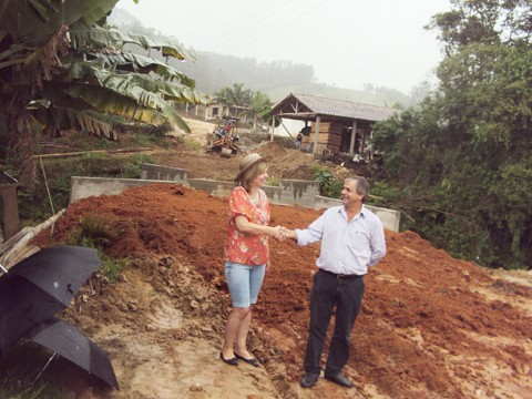 Gestores Leonete Loffi e Jaime Wensing fecham parceria para beneficiar as duas cidades.