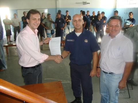 O prefeito em exercício de Tubarão, Pepê Collaço, esteve reunido com os guardas municipais ontem para tratar sobre os equipamentos de segurança necessários à categoria.