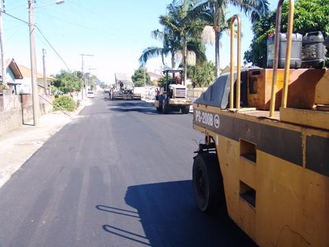 Recuperação da rua a Guilherme Willemann, uma das principais vias do bairro Passagem, foi finalizada nesta sexta-feira.