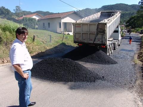 Obra de recuperação da estrada do Sertão dos Corrêa deve terminar esta semana
