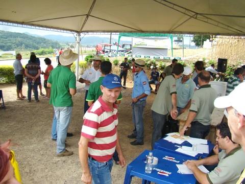 A Agroinvest deste ano foi um sucesso e ocorreu no terreno do produtor Antenor Nandi Filho, o Bépi, na avenida dos Imigrantes.