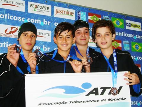 Paulo Henrique, Bruno, Kaio e Arthur conquistaram medalha de bronze no revezamento 4x50m medley