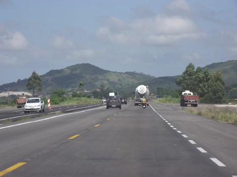 Trechos da BR-101 entre Jaguaruna e Tubarão foram liberados.