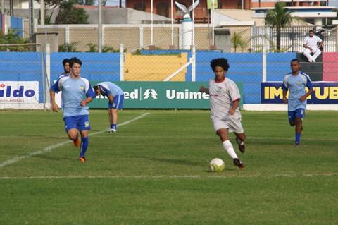 Anderson Alexandre e Éderson são atletas da região formados na base do Imbituba.