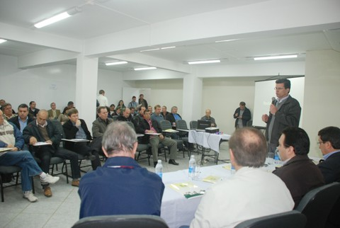 Empresários e lideranças políticas do sul do estado reuniram-se, ontem, em Braço do Norte. Na pauta, as obras de infraestrutura que garantirão o desenvolvimento regional e as condições precárias das rodovias estaduais.