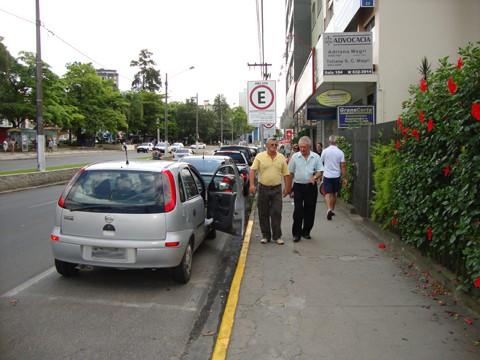 Somente os guardas municipais poderão aplicar multas aos motoristas