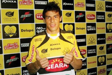 Douglas assinou contrato até novembro de 2013. Foto: Fernando Ribeiro/Criciúma E.C./Notisul