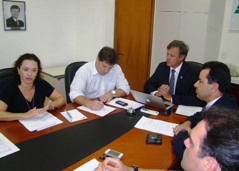 Fecomércio deu o pontapé inicial à campanha para extinguir o projeto de lei    -    Foto: Fecormércio/Notisul