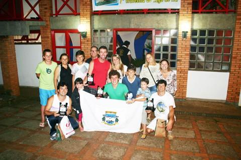 Imbitubenses voltaram para casa com cinco troféus na bagagem   -  Foto: Divulgação/Notisul