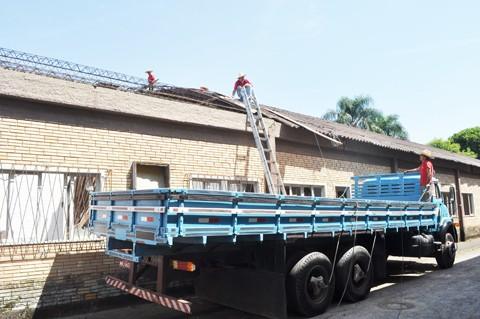 Prédio do antigo bolão, em Oficinas, dará espaço para a nova unidade de saúde do bairro, o maior de Tubarão   -   Mayra Lima/Prefeitura de Tubarão/Notisul