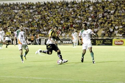 Zé Carlos marcou duas vezes na goleada do Tigre. Foto: Rodrigo Medeiros/A Tribuna/Notisul.